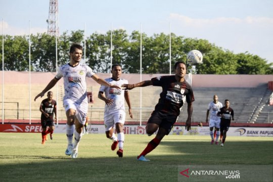 Jacksen F Tiago bersyukur Persipura tembus papan atas