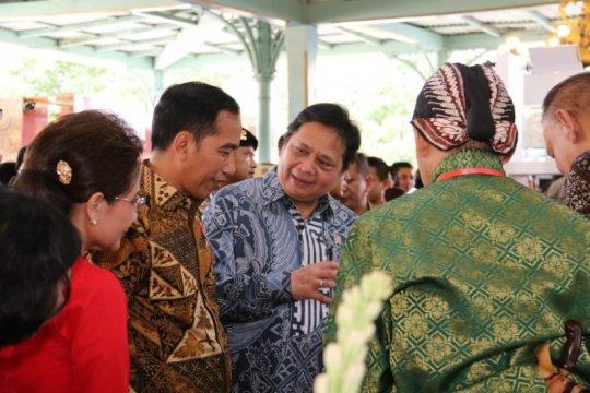 """Menperin sebut batik sebagai """"high fashion,"""" duta budaya RI"""