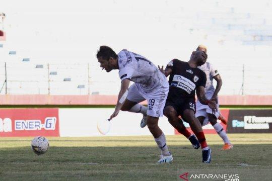 Persipura unggul 1-0 atas Tira Persikabo di babak pertama