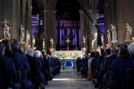 Pendeta Yunani di gereja Prancis ditembak pria tak dikenal