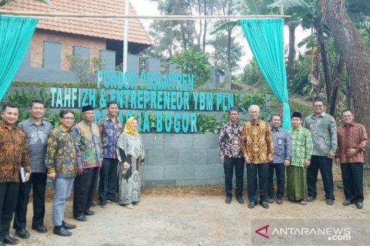 """Ponpes """"Tahfidz dan Entrepreneur"""" di Puncak-Bogor diresmikan YBM PLN"""