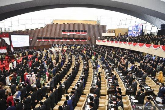 Ahli hukum setuju masa jabatan DPR dibatasi