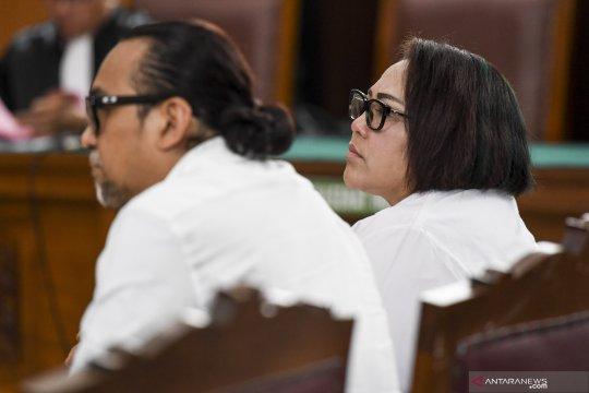 "Kemarin, sidang artis Nunung hingga ""janji"" bayaran bagi massa demo"