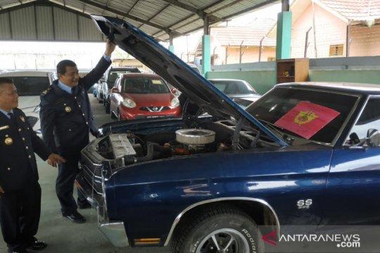 Bea Cukai terima limpahan enam mobil ilegal asal Malaysia