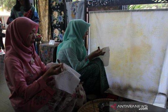 Ganjar: Filosofi batik diberikan sejak dalam kandungan