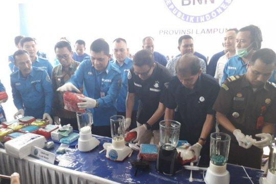 """BNNP Lampung musnahkan 16 kg """"shabu-shabu"""""""
