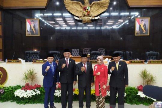 Lima pimpinan DPRD Jabar definitif ditetapkan