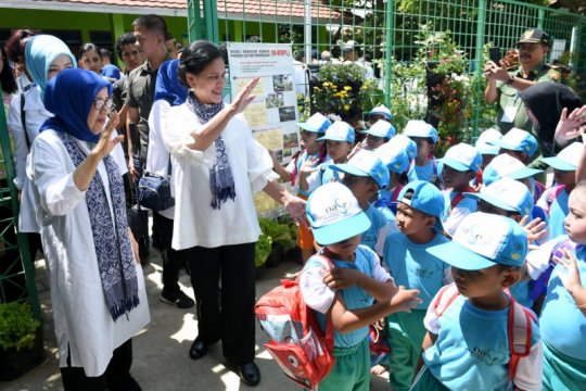 Ibu Negara kampanye kesehatan ke anak-anak PAUD Cirebon