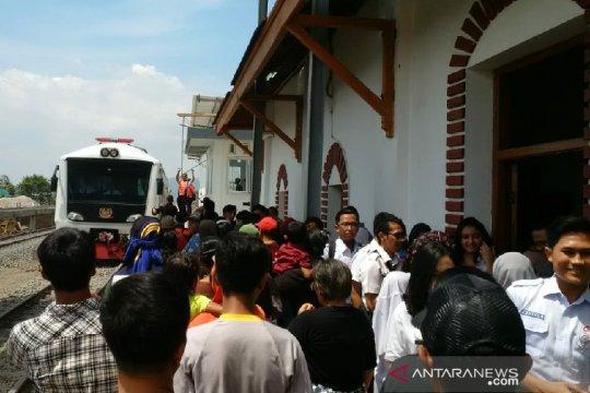 PT KAI uji coba rel kereta api Stasiun Cibatu-Wanaraja di Garut