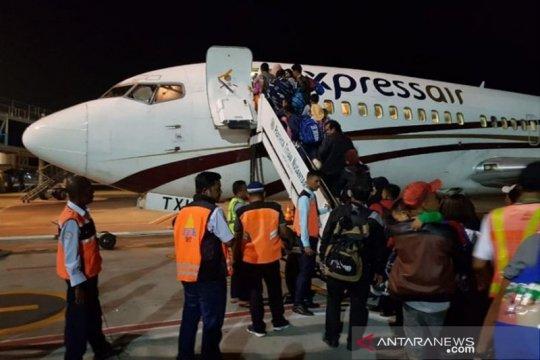 Perantau Minang di Wamena memilih sementara pulang kampung