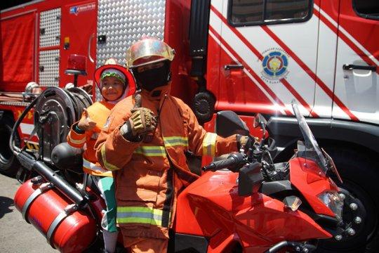 Tim Walang Kadung garda terdepan pemadam kebakaran di Surabaya