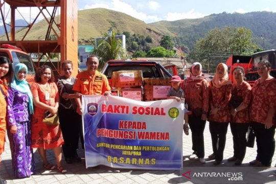 Basarnas Jayapura gelar bakti sosial bagi pengungsi korban Wamena
