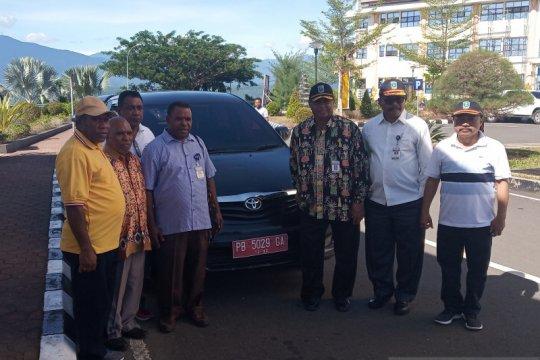 Kendaraan dinas Ketua MRP Papua Barat dikembalikan tanpa paksaan