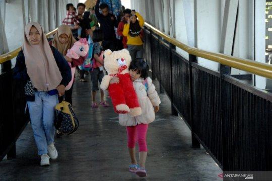 Ratusan warga Sulsel pengungsi Wamena tiba di Makassar