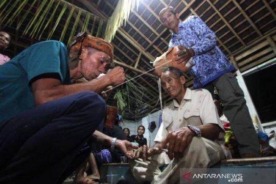 Ungkapan syukur Suku Dayak Meratus dalam Aruh Bawanang