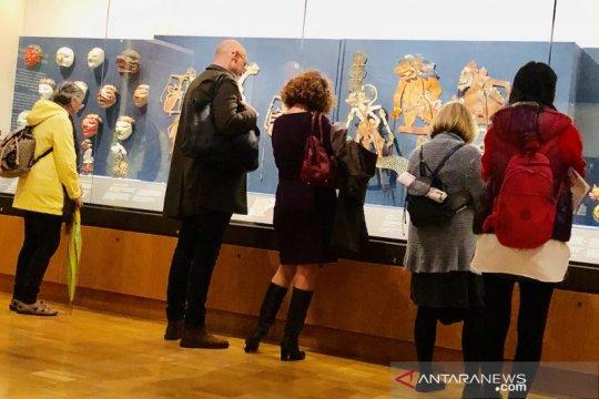 British Museum tampilkan koleksi topeng dan wayang milik Raffles