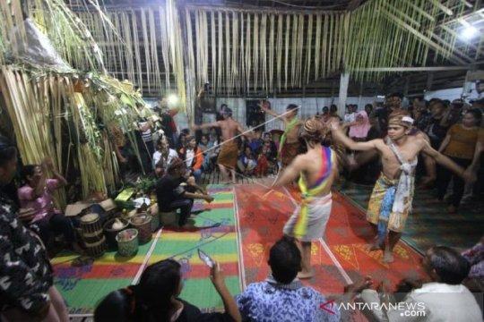 Kapuas Hulu tampilkan Tari Manyarung Suku Dayak di Jakarta