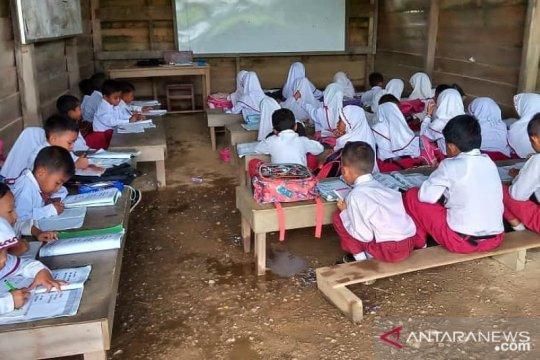 Pelajaran sekolah di Pekanbaru ditambah usai libur bencana asap