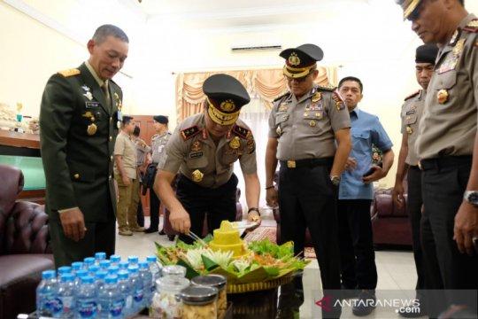 "HUT TNI, Kapolda Riau ""gerebek"" kediaman Danrem 031 Wirabima"