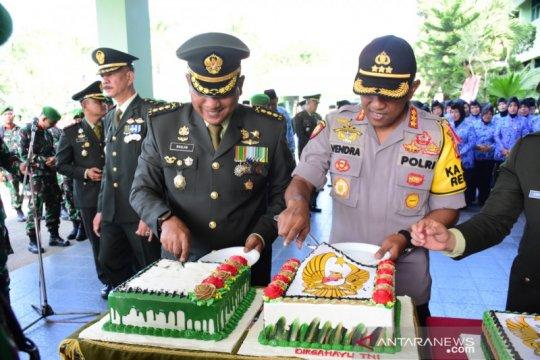 Kapolres Samarinda kejutkan Korem setelah upacara HUT TNI