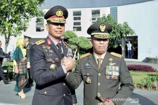 Pangdam Siliwangi: TNI juga harus bisa berperang melawan hoaks