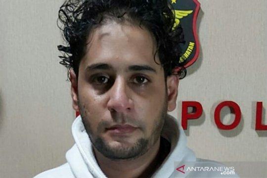 Menantu Elvy Sukaesih ditangkap, polisi temukan 1,07 gram sabu