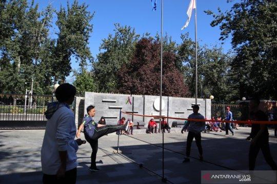 KBRI Beijing kenalkan pelangi sepak di HUT TNI