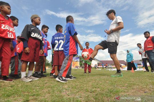 Kunjungan mantan pesepak bola nasional Jepang