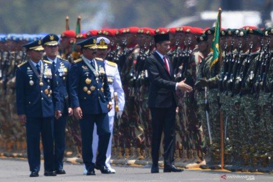 Presiden Jokowi pimpin upacara HUT TNI di Lanud Halim Perdanakusuma