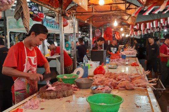 Harga daging ayam di Pontianak kembali naik tembus Rp28.000 per kg