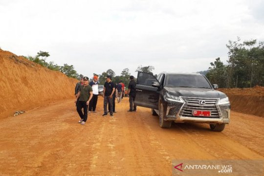Gubernur Kalteng tinjau kondisi jalan Sukamara-Lamandau-Seruyan