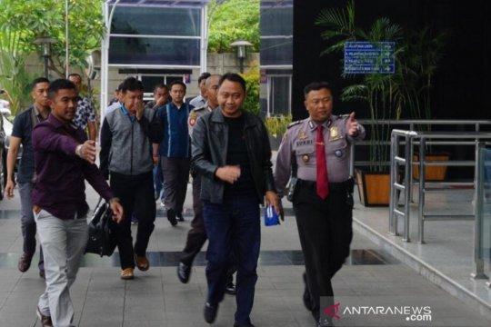Bupati Lampung Utara jalani pemeriksaan lanjutan di gedung KPK