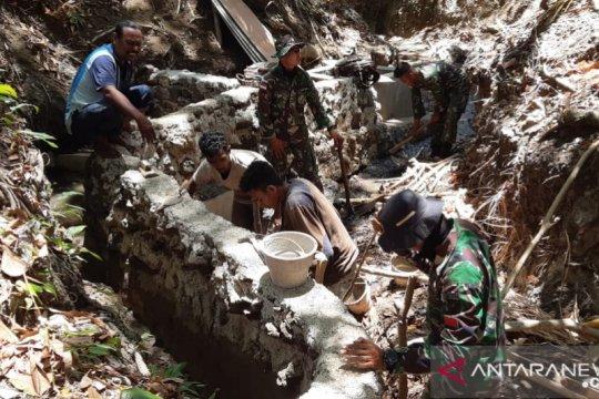 TNI bantu warga perbatasan RI-Timor Leste atasi krisis air