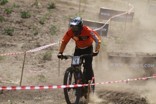 Khoiful Mukhib berburu poin UCI di Ternadi Park Kudus