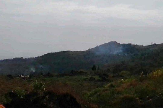 Pemadaman kebakaran kawasan Gunung Ciremai terkendala angin kencang