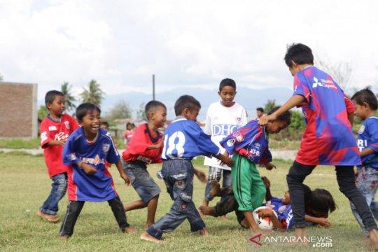 JICA dan PMI hibur anak korban bencana gempa dan tsunami Sulteng