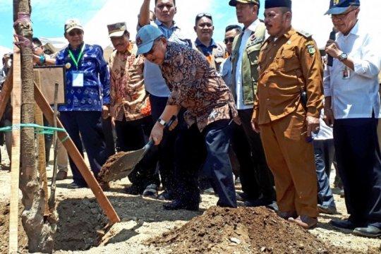 JK imbau pengungsi Palu segera pindah ke huntara