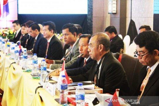 Rapat ASEAN sepakati bentuk badan pengajuan Piala Dunia 2034