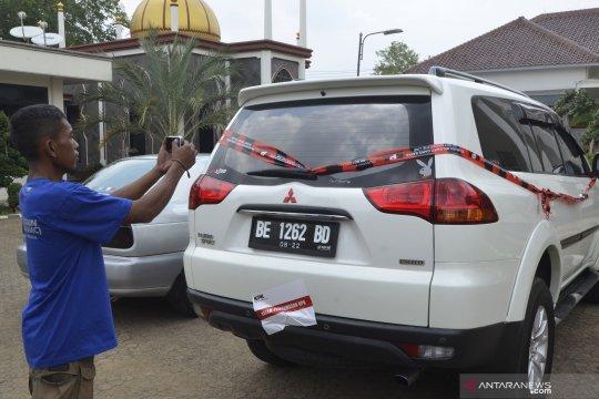 KPK segel mobil di rumah dinas Bupati Lampung Utara