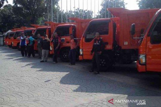 Bekasi hapus operasional belasan truk sampah