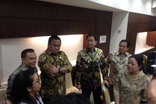 Puan semangati personel TNI-Polri amankan Kompleks Parlemen