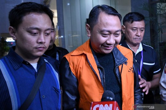 KPK sita Rp54 juta dan 2.600 dolar AS dari rumdin Bupati Lampung Utara