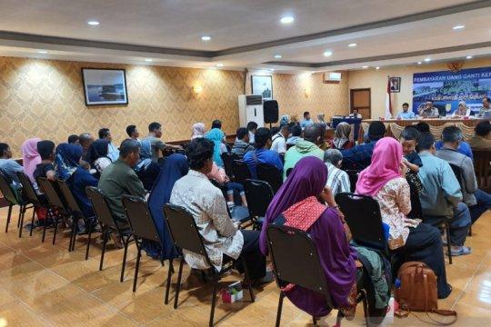 Warga Karawang terima ganti rugi proyek Tol Japek II Selatan