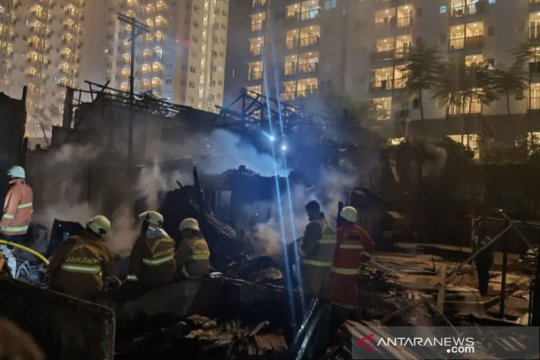 20 rumah di Cawang Atas terbakar akibat gas bocor