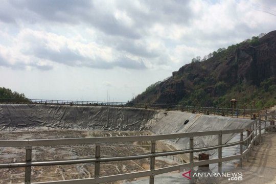 Embung Nglanggeran Gunung Kidul mengering akibat kemarau panjang