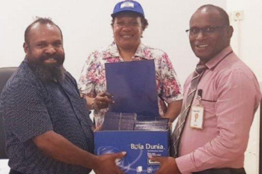 KPA Papua bagikan 1.000 buku tabungan untuk relawan HIV/AIDS