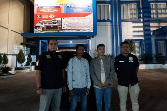 Imigrasi Langsa mendeportasi dua warga Kamboja