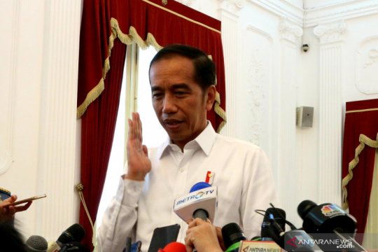 Jokowi jenguk Wiranto di RSPAD