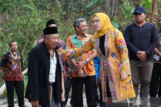 """Pemkab Purwakarta bantu pulihkan warga dari trauma """"hujan batu"""""""