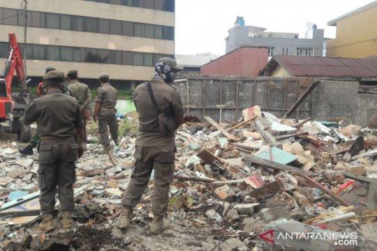 Kios liar di Slipi Jakarta Barat dibongkar